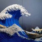 葛飾北斎「富嶽三十六景・神奈川県沖浪浦」をレゴで再現しちゃった人現る、しかも平面じゃなくて立体化「すごい迫力」 – Togetter