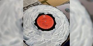レコードを木工ボンド乾かして掃除する→剥がした方のボンドを再生してみたらこうなった「めっちゃ可能性を感じる」 - Togetter