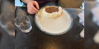 「友達のカレーの食い方やべー」クセが強すぎる…と思ったら『伊東家の食卓』でも紹介された合理的な食べ方だった? - Togetter