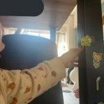 「家が〇〇になっていく……」幼い子供に家中にシール貼られてるときの一言、キャッチコピーとして完璧すぎる「素敵な表現」 – Togetter
