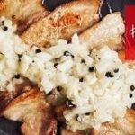フレッシュで刺激的!癖になるポスト万能薬味「新玉ねぎの胡椒塩漬け」 #旬とスパイス 【新玉ねぎ×ブラックペッパー】|エスビー食品