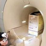 MRIに入る時に金属を持ち込んではいけない理由が一目でわかる動画がこちらです「持ち込みダメぜったい」「すごい磁力…」 – Togetter