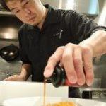 「甜醤油(テンジャンユ)」を自作すると「よだれ鶏」から「雲白肉」まで料理できて楽しいのだ【四川料理のスゴイ人】 – メシ通