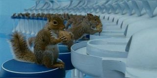 『チャーリーとチョコレート工場』一番狂っているのはあの場面「CGでええやん!!!」 - Togetter