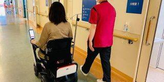 パーソナルモビリティの「WHILL」が出産後の患者を病室まで自動運転で移動させる実証実験を産科病棟で開始 | TechCrunch