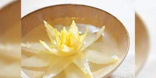 スープをかけると蓮の花のように開く『開水白菜』という料理が美しすぎ!「あんなやばいスープ作れたの…」→擬人化したゲームもあります - Togetter