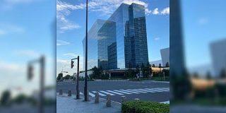 「どうなってるの?」「本当にバグった」横浜のみなとみらい地区にあるホテルが脳がバグるデザインだった - Togetter